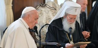Pope Francis Urged Bulgaria To Open Its Heart To Migrants